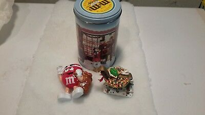 M&M's Holiday Tin with Danbury Mint GreenTrain Car and Red Santa Character