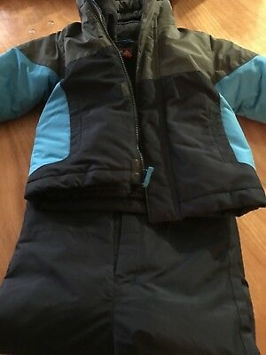 boys snow suit, hardly used jacket and pants, 3T, blue