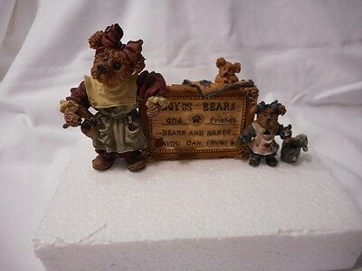 1995 Boyd Collection Bearstones Tessa, Ben & Cissie A sign of times Figure