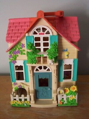 2000 Fisher Price Loving Family Sweet Streets Country Cottage Doll House- No Box