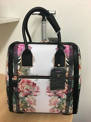 857bdbf96 TED BAKER TRAVEL Bag Naoimie Painted Posie Print 89762 - £150.00 ...