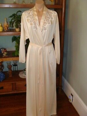 "Ladies/Womens Vintage Maidenform Long Nylon Robe - Bust to 48"" - Cream"