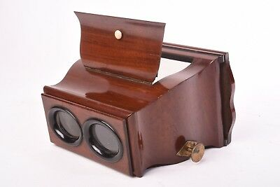Wooden Stereoviewer for 8,5x17 cm glass and card stereoview Very good condition.