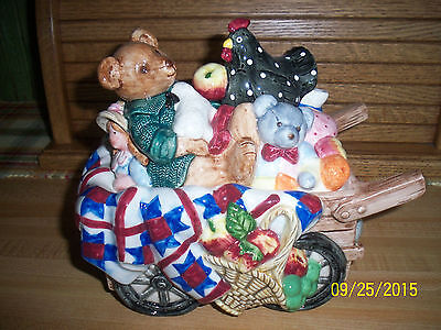 """Adorable Fitz and Floyd """"Countryside Antiques"""" Lidded Box"""