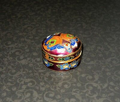 Excellent Vintage Enamel Cloisonne Round Pill Trinket Box Hinged Floral Maroon