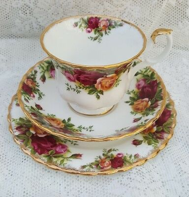 Royal Albert Bone China Old Country Roses Trio Tea Cup Saucer Side Plate England
