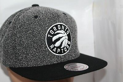 3ff30dff63f TORONTO RAPTORS MITCHELL   Ness NBA Black White Static SnapBack