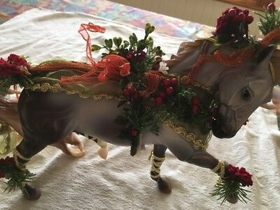 Breyer Holiday Creations 2014  Horse  Bayberry and Roses