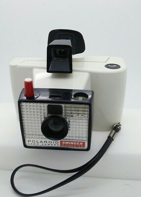 Vintage Polaroid Land Camera SWINGER Model 20  w/Flashes works well!!!