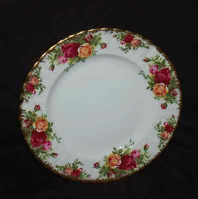 "(1) Royal Albert China 8"" Salad Plate(s) Old Country Roses Montrose Shape EUC"