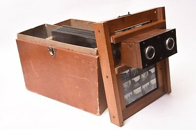 Stereoviewer Alternascope with case and 10 plates. Good condition.