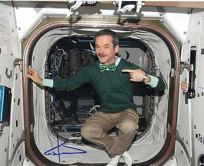 Chris Hadfield Canada Astronaut, NASA, SOYUZ auto 8x10 Photo #3 w/COA