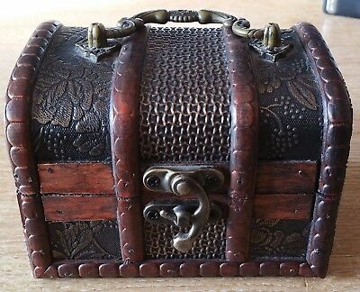 WOODEN STORAGE CHEST BOX Homemade Rustic Jewellery Treasure Handmade Vintage