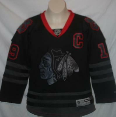 46420dc4c57 Reebok Youth Chicago Blackhawks Jersey Toews Black Ice #19 Size S/M FREE  SHIP