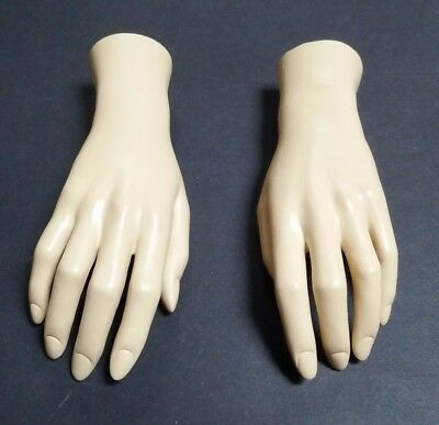 LESS THAN PERFECT MN-HandsF-WF2 PAIR OF FLESH LEFT/RIGHT Female Mannequin Hands
