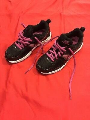 Girls Nike Tennis Shoes Size 1.5 Black And Pink NWOT