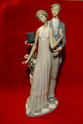 Lladro *high Society* Porcelain Figurine Gloss Finish Made In Spain