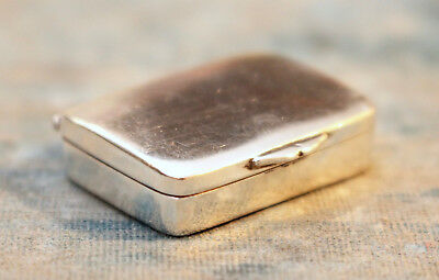 A Beautiful & Petite Solid Silver Vinaigrette Case, Gilt Lined, Birmingham 1905