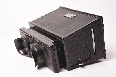 Stereoviewer for glass stereoview format 6x13 cm by Gaumont.
