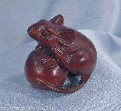 Japanese Netsuke Hand Carved Boxwood Rat Mouse No.1
