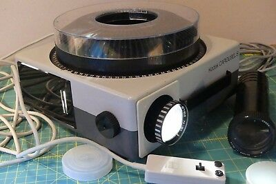 KODAK CAROUSEL S slide projector with zoom and additional lens + leads etc