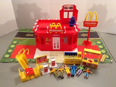 Vintage Mcdonald's Drive Thru Restaurant Playset With RARE Mat Sweet Streets