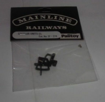 Mainline 37-274 Mainline couplers - two packs of two as new (2)