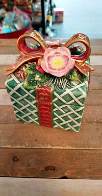 Rare Fitz And Floyd Collectible - Christmas Wreath Candy Gift Box