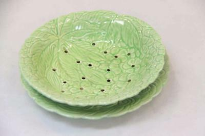 Vintage Salad and Strainer Dish Green Made in England#13262