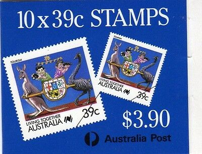 1988 AUSTRALIAN STAMP BOOKLET LIVING TOGETHER 10 x 39c STAMPS MUH