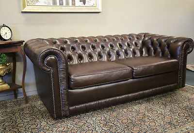 Mint Condition  Moran 3 Seat Chesterfield Leather Sofa Couch Lounge Suite