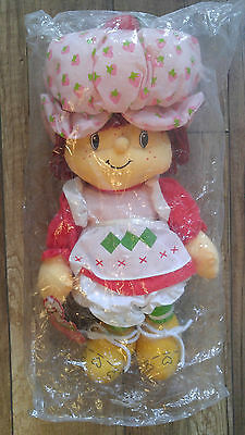 Strawberry Shortcake 18'' Scented Rag Doll/W Tag (MIP) 2002