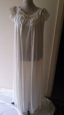 Vintage 80/s Ms. Elaine nightgown & dressing gown set - sz. L