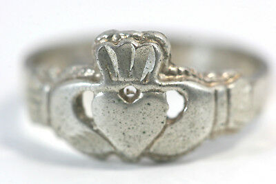"D344 Claddagh Sterling 3.2g 925 Ring top 3/8"" wide size 8 3/4"