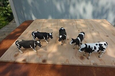 1:20 Holstein Cows (4 Cows and 1 Bull)