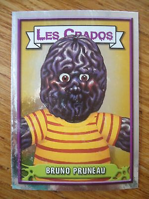 Image * Les CRADOS 3 N°75 * 2004 album card Sticker FRANCE Garbage Pail Kid