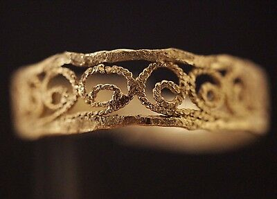 Ancient Viking Solid GOLD Ring with Norse Eternity Loop, circa 950-1000 AD.