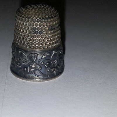 Antique Vintage STERLING SILVER Sewing Thimble w FLOWER Design
