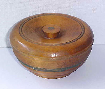 VINTAGE Turned Wood ROUND WOODEN TRINKET BOX Green Painted Band