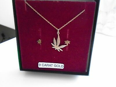 New in Box 9ct Gold leaf shape Necklace & Earring set