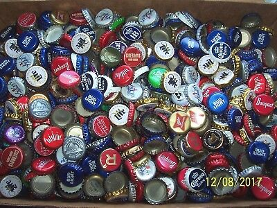 4.5 # Approx. 1000 mixed beer bottle cap lot WITH Dents / Creases