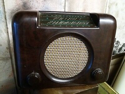 Bush DAC90 collectable valve radio excellent case and back  no reserve