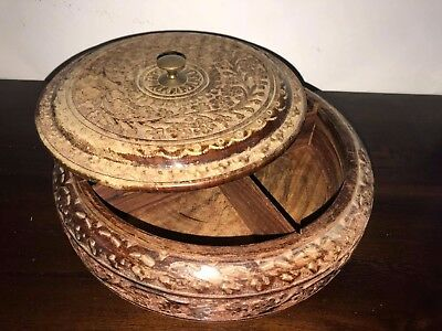 19th century antique vintage brown forest Wood flower Carving Box Threaded