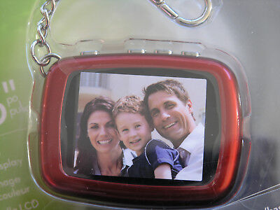 INSIGNIA Digital Picture Key Chain NS-DKEYRD10 NEW in PACKAGE