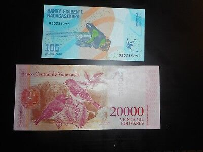 Lot of 2 Different PAPER MONEY WORLD CURRENCY with animals