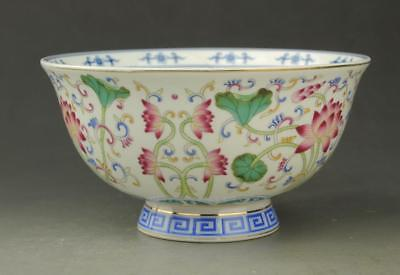 Chinese old hand-made porcelain famille rose Hand painted flower pattern bowl