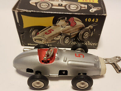 Schuco NUTZ MICRO RACER 1043 MERCEDSE SILBERPFEIL - wind up  70th OKT NEW silber