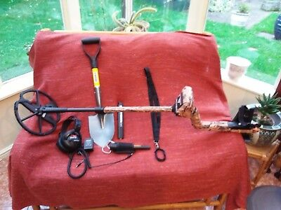 minelab etrac metal detector great condition and extras