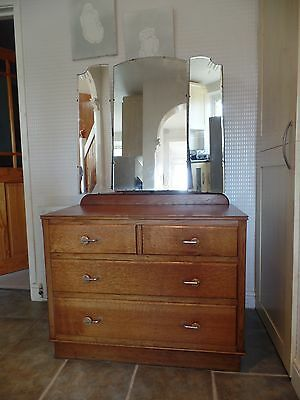 Vintage Oak Dressing Table With Triple Folding Mirrors (Le65)