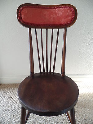 Antique Spindle Back Bedroom Chair (Le65)